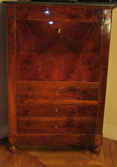 Secretaire meuble ancien secretaire meuble ancien sur for Meuble a tiroir ancien